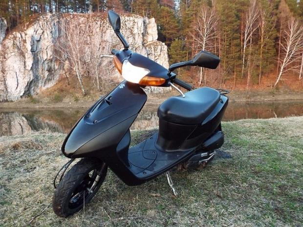 Скутер Suzuki Lets (49 см.куб)