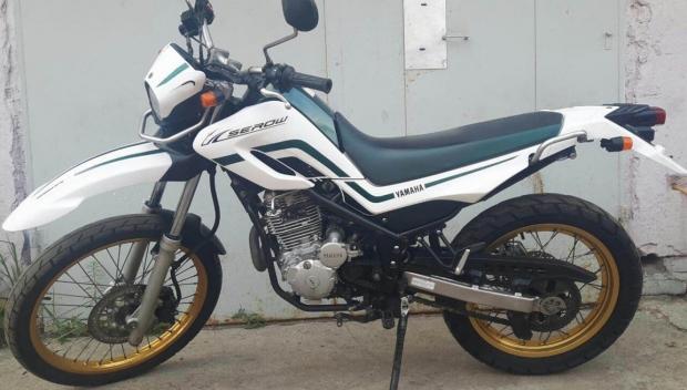 Мотоцикл Yamaha Serow 250, 2006 года