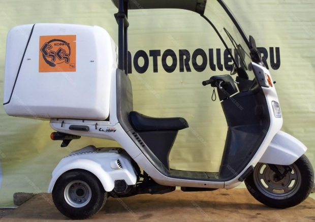 Скутер HONDA GYRO CANOPY TA02 (49 см3)