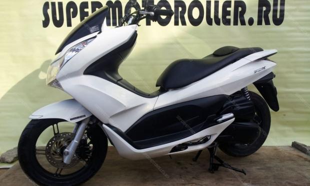 Скутер HONDA PCX 125 JF28 (124 см3) жемчужно-белый